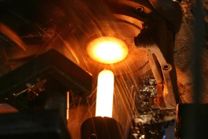 perfume-glass-factory